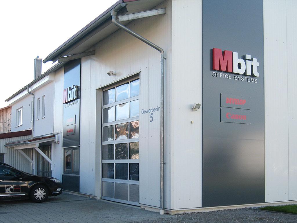Beschriftung mit Einzelbuchstaben Mbit, Unterdießen